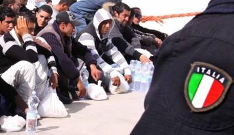poliziotti Lampedusa