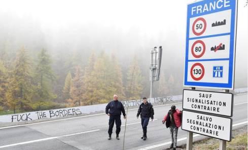 gendarmeria frencese respinge migranti