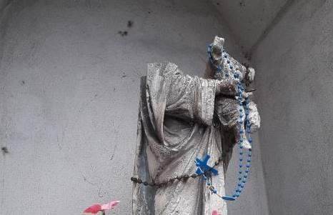 Statua della Madonna decapitata