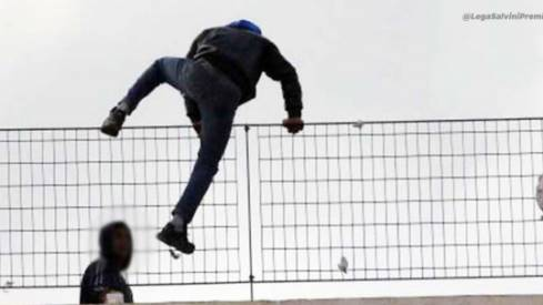 migranti in fuga