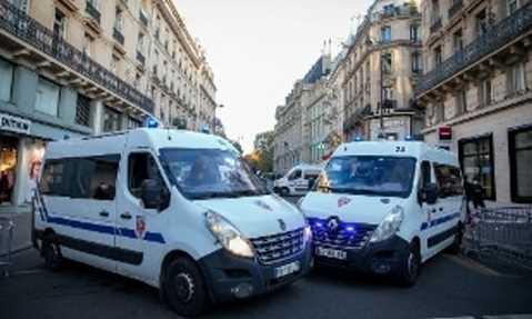 tunisino uccide poliziotta gridando 'Allah Akbar'