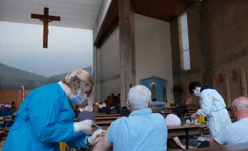 vaccinazioni in chiesa
