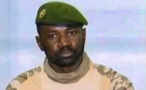 mali militare si proclama presidente