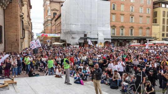 proteste di imprenditori e sanitari ignorate da ogni media