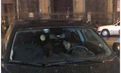 donna sfrattata vive in auto