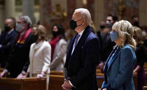 Biden sfida i vescovi