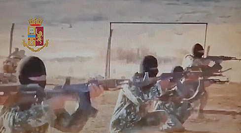 Documenti falsi ai terroristi