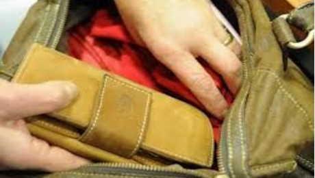 borseggiata da ladro di 13 anni