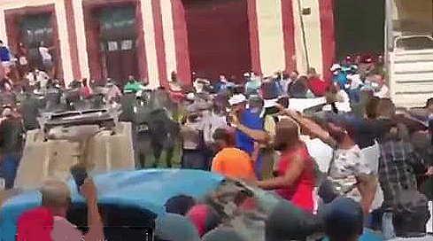 Cuba, proteste di massa