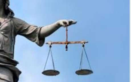 giustizia Non punibile irregolare che colpisce poliziotto