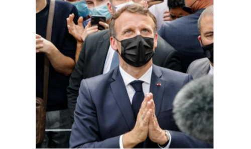 Macron contestato a Lourdes