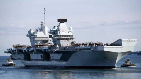Focolaio Covid su portaerei inglese
