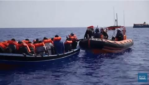 ong prelevano 800 migranti