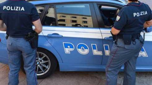 poliziotto spara
