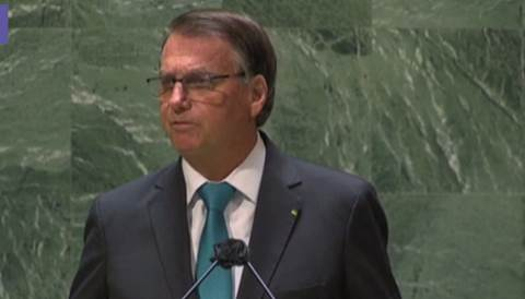 Bolsonaro: no al pass sanitario, sosteniamo le cure precoci
