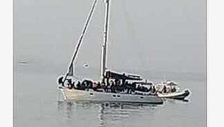 Barca a vela con 70 migranti nel Salento