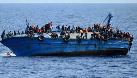 Calabria, sbarcati 400 migranti in poche ore
