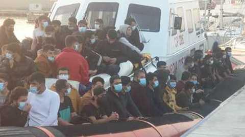 106 migranti a Roccella Ionica